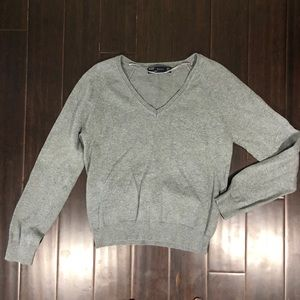 Zara gray v-neck sweater size medium